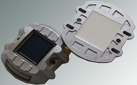 太阳能反光道钉